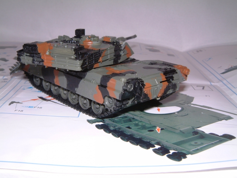 M1A1 with mine plough (1/72 DRAGON) 090619100625588623905704