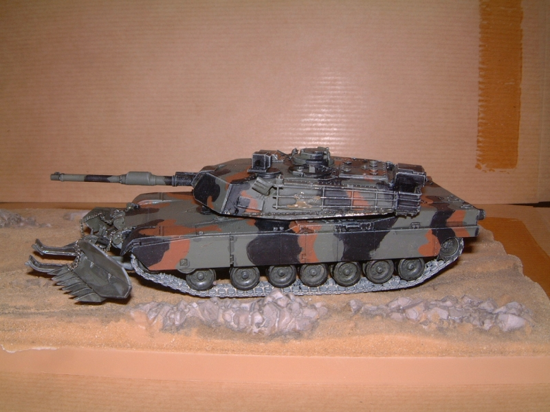 M1A1 with mine plough (1/72 DRAGON) 090629111246588623979149