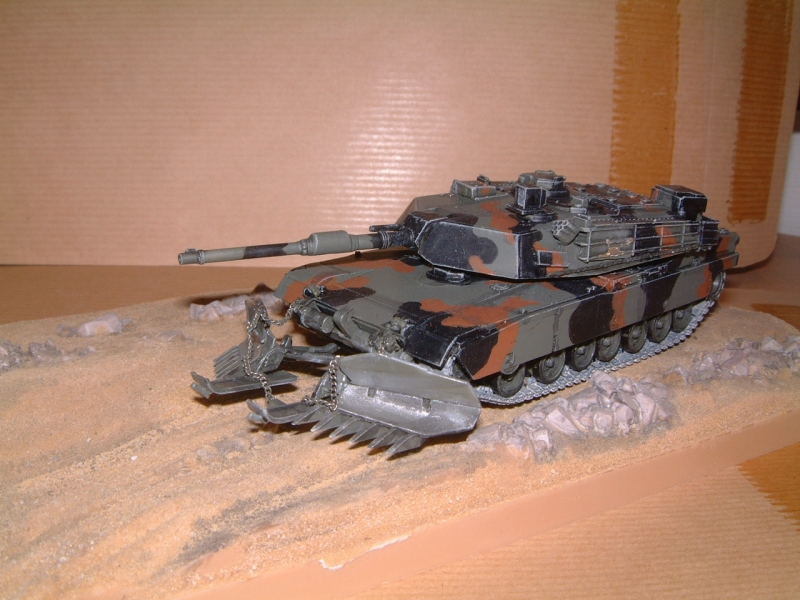 M1A1 with mine plough (1/72 DRAGON) 090629110828588623979109