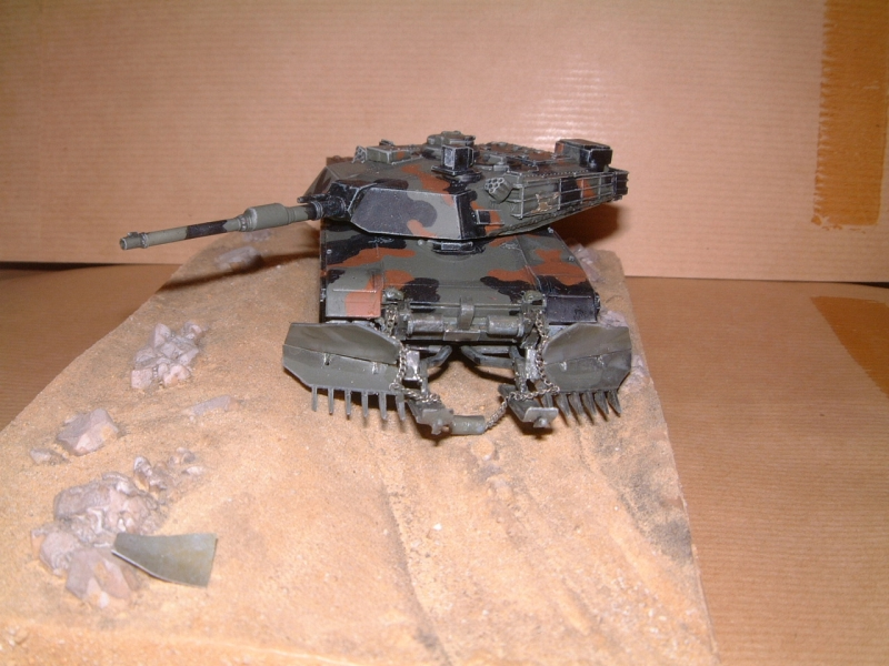 M1A1 with mine plough (1/72 DRAGON) 090629110835588623979110